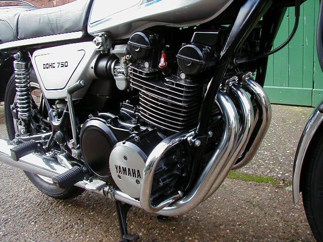 Weer een Yamaha driecilinder?