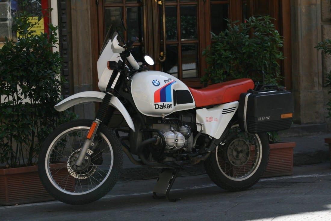 In Firenze zag ik deze prachtige Paris Dakar voor het hotel staan